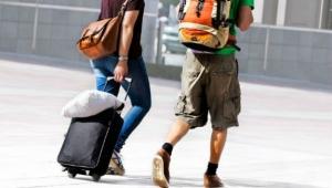 Wie man auf Reisen Geld sparen kann